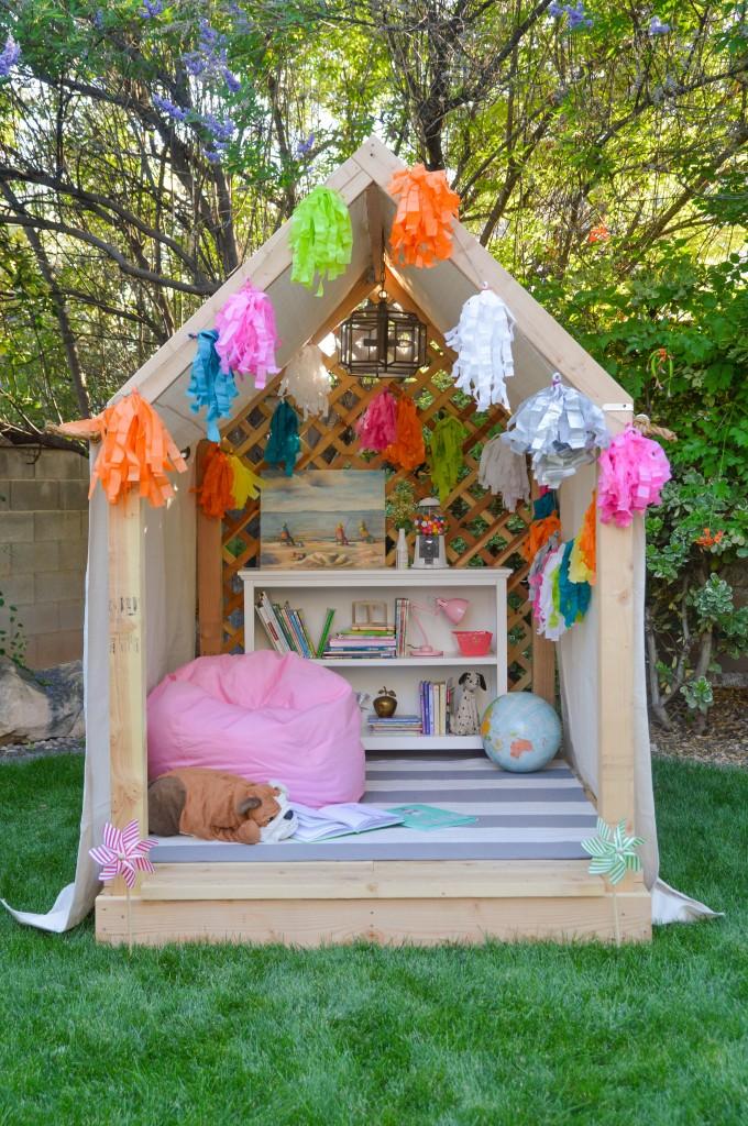 Summer Reading Nook/Outdoor Hideaway Building Plans ... on Backyard Nook Ideas id=21339