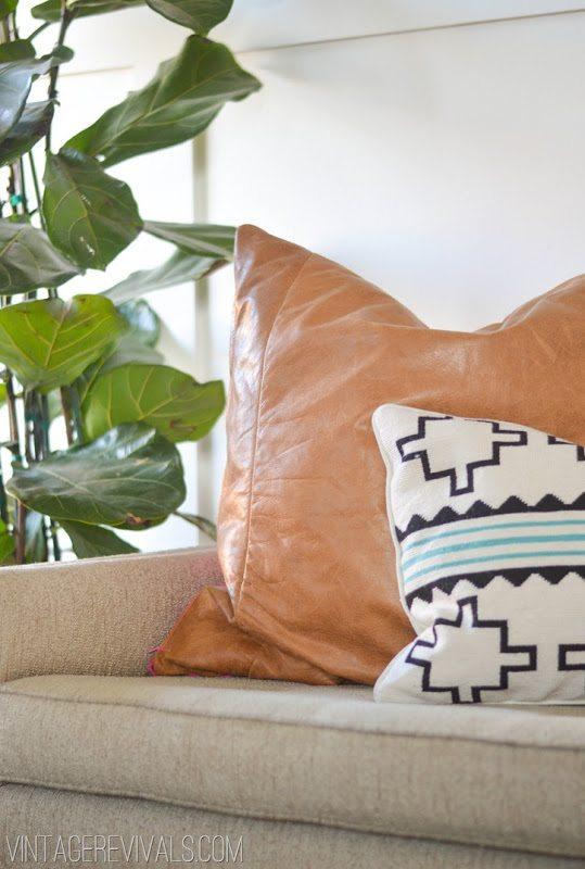 Leather Pillow Tutorial vintagerevivals.com[5]