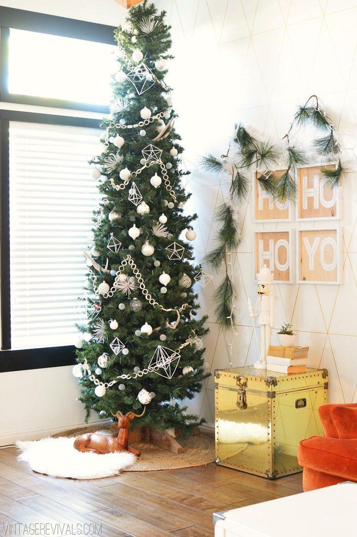 DIY All White Christmas Decorations vintagerevivals.com