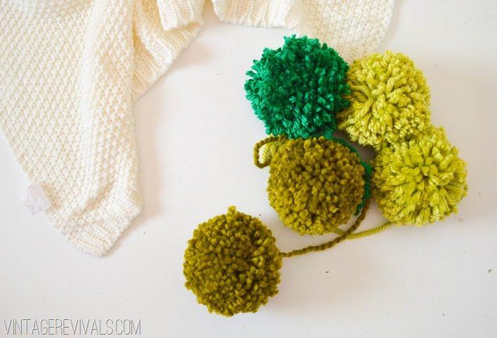 How To Make Giant Pom Poms Tutorial vintagerevivals.com-28
