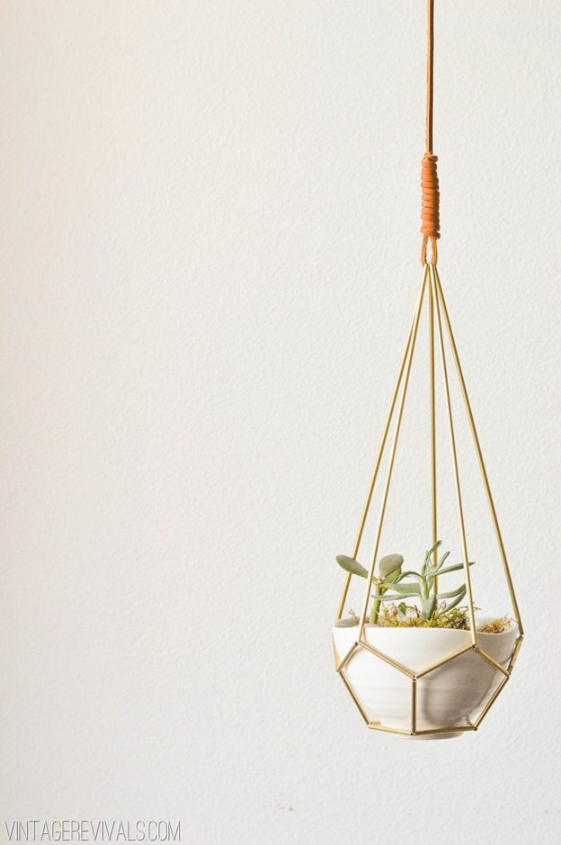 DIY Geometric Brass and Leather Hanging Planter vintagerevivals.com