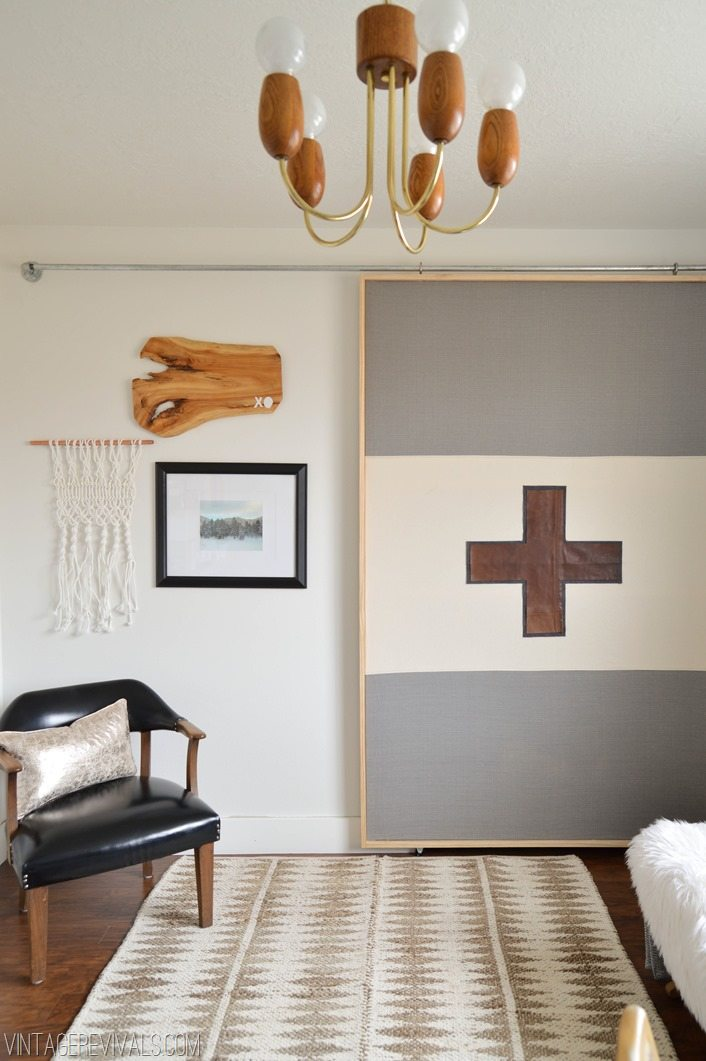 How To Make A Lightweight Sliding Barn Door vintagerevivals.com