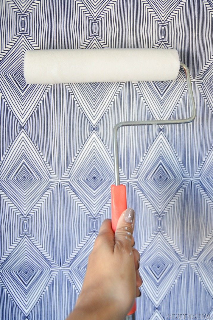 DIY Temporary Fabric Wallpaper Vintagerevivals 4