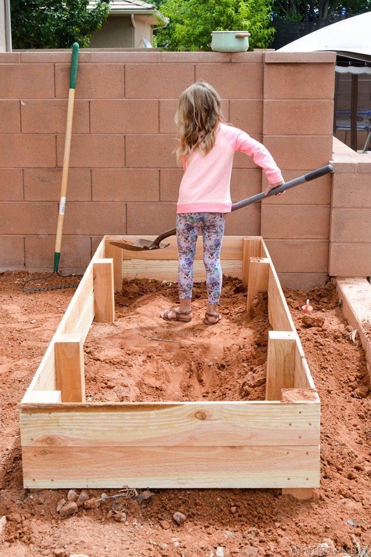 Cedar Garden Planter Box DIY 4