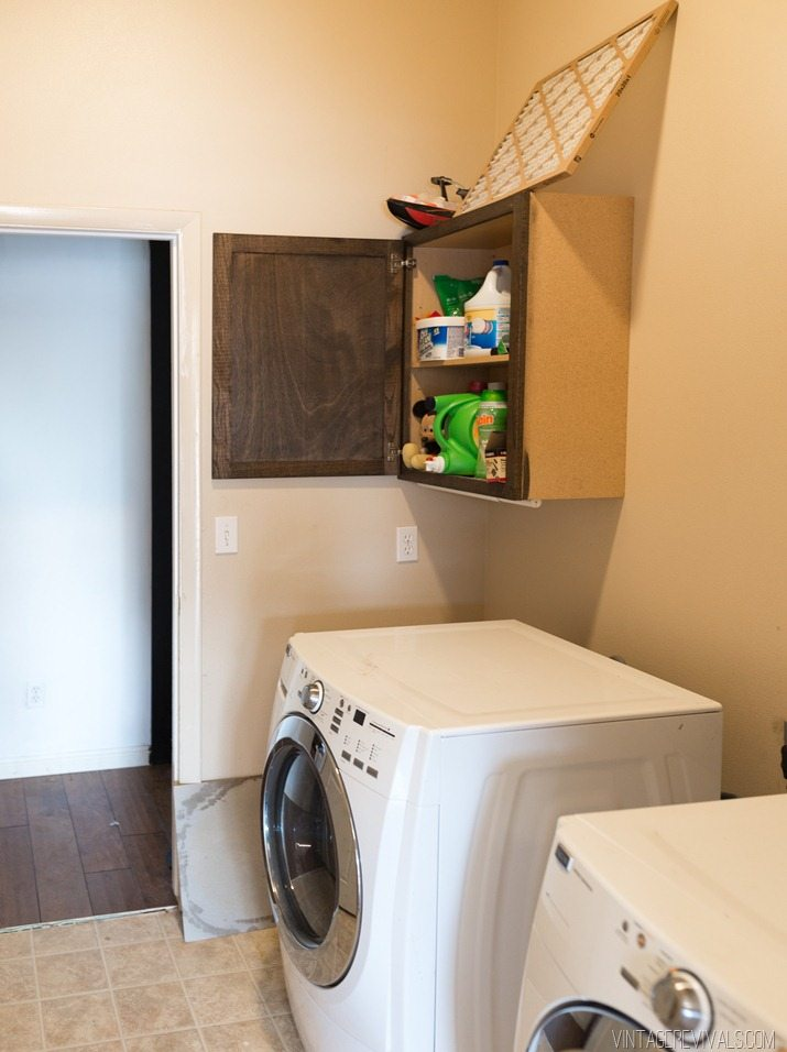 Laundry Room Before-3 (2)