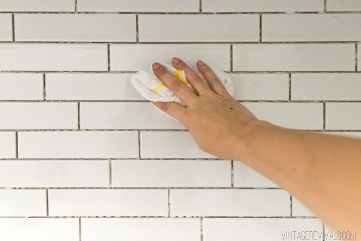 Lessons I Learned While Installing Subway Tile Cause I M An Idiot Vintage Revivals