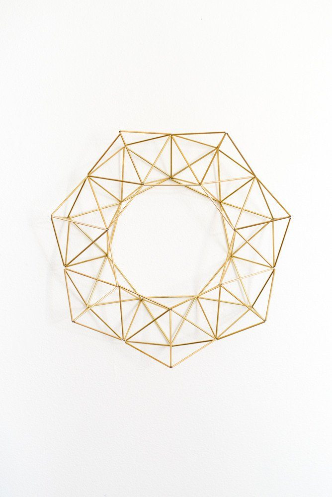 geometric_brass_wreath_vintagerevivals-com_1024x1024