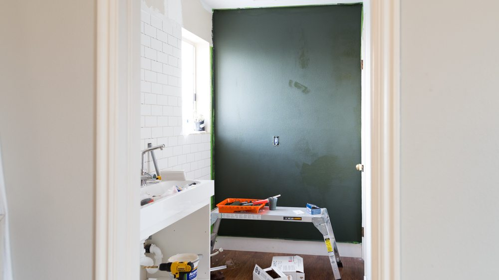 939-bathroom-makeover-before-6