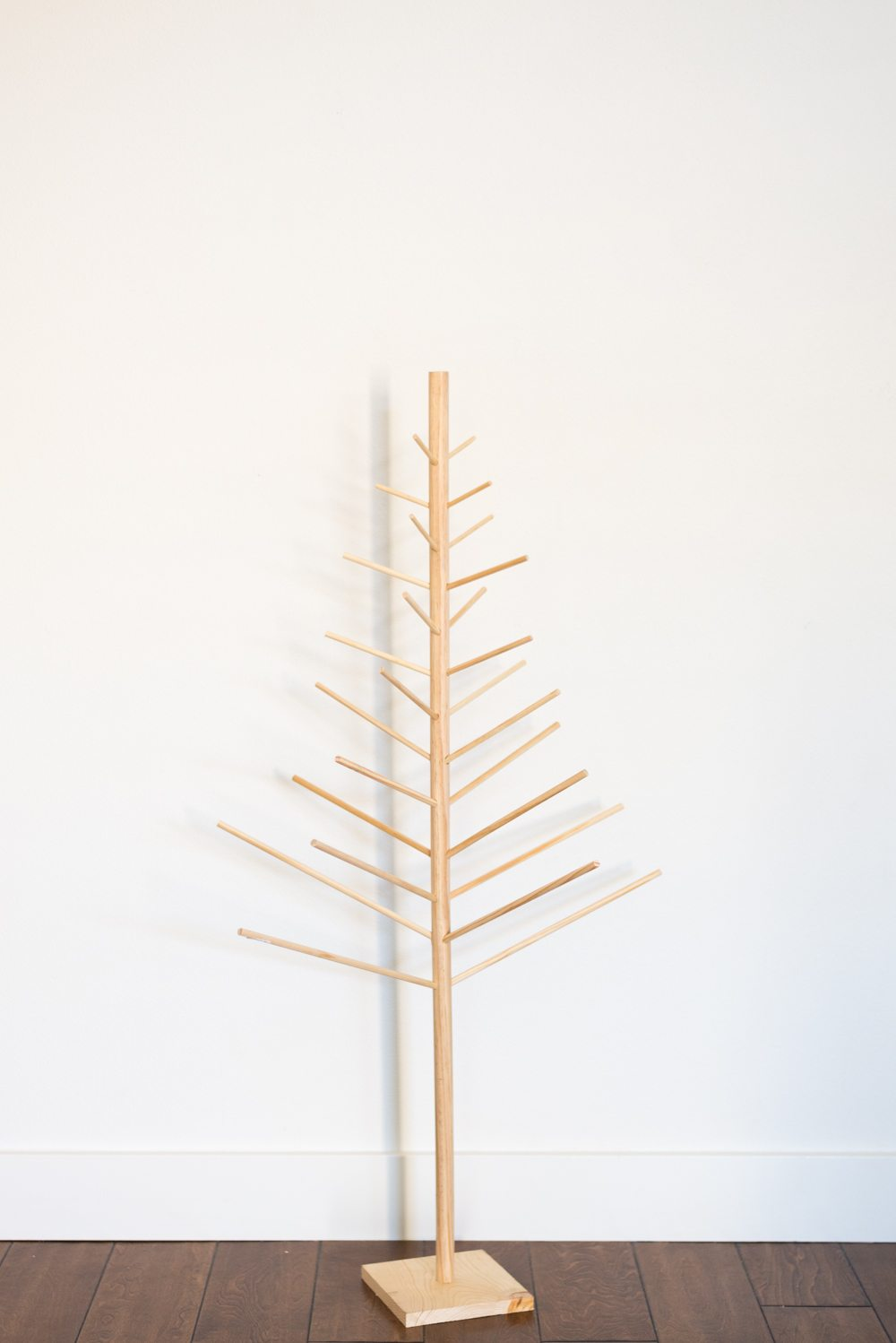 Modern Diy Christmas Tree Wooden Dowels Vintage Revivals
