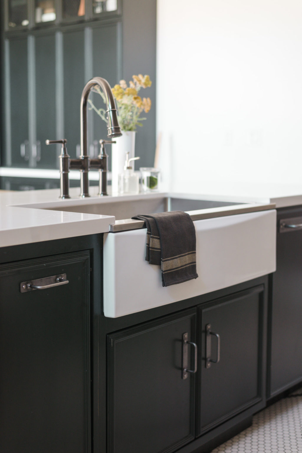 The Kitchen Sink That You Can Change On A Whim • Vintage Revivals